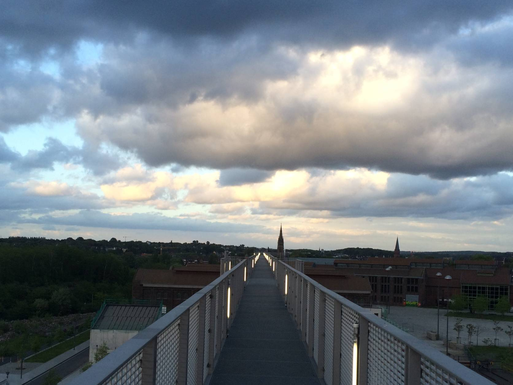 IMG_5109 Skywalk Wolken Phoenix West